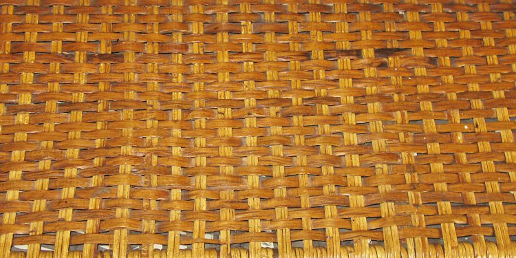 Mixed rattan and hickory weave