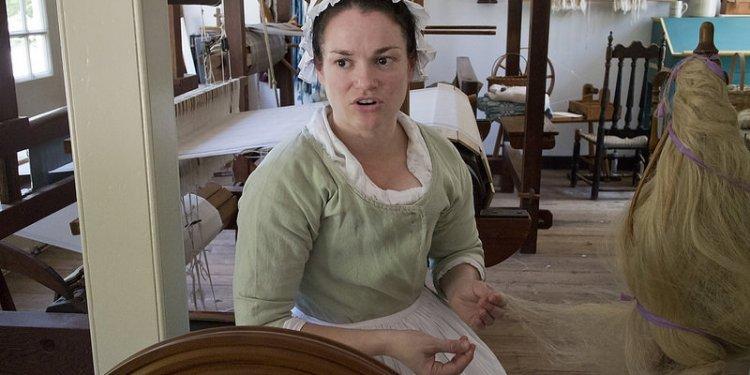 Colonial Williamsburg Va. Virginia Weaving, Spinning Dyeing