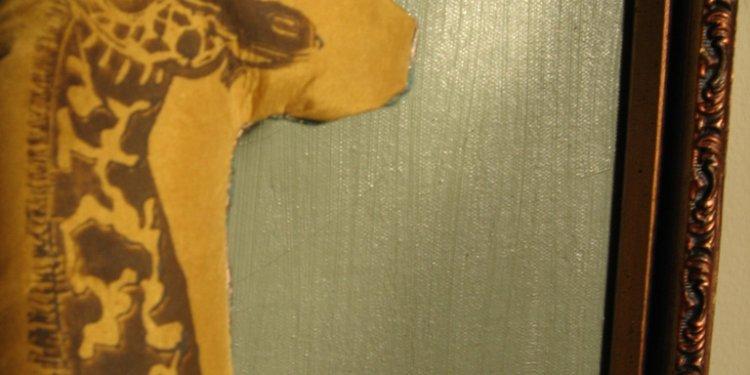 Esmeralda the Giraffe, lino on silk, admires painting