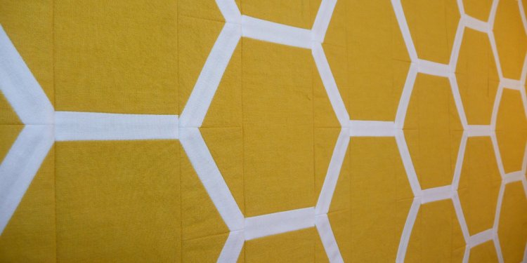Honeycomb table runner