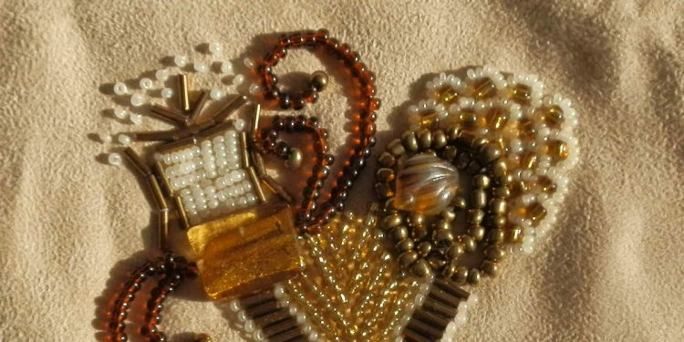 Saffi Land: Bead embroidery