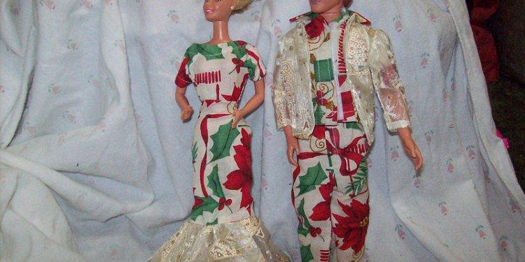 Santa Riendeer Barbie Ken Christmas Set