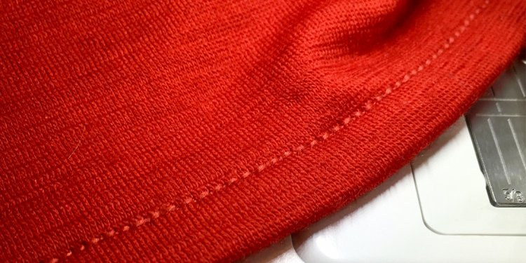 Tip for sewing stable hems on